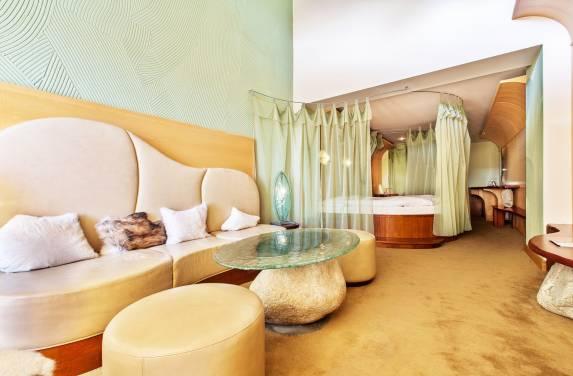 Tematická izba Honeymoon suite - Hotel PARTIZÁN