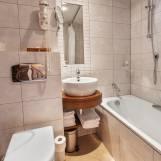 Dvojlôžková izba Economy s kúpeľňou - Hotel PARTIZÁN