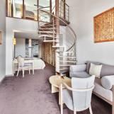 Mezonet s krbom, dvojpodlažný apartmán s balkónom - Hotel PARTIZÁN