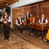 Tálska Bašta reštaurácia s ľudovou hudbou