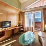 Tematická izba Honeymoon suite s výhľadom na Nízke Tatry - Hotel PARTIZÁN