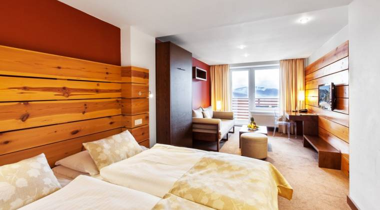 Rodinná izba Junior Panorama s nádherným výhľadom - Hotel PARTIZÁN