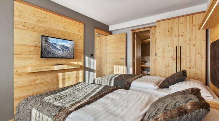 Apartmán de Luxe s veľkou spálňou - Hotel PARTIZÁN