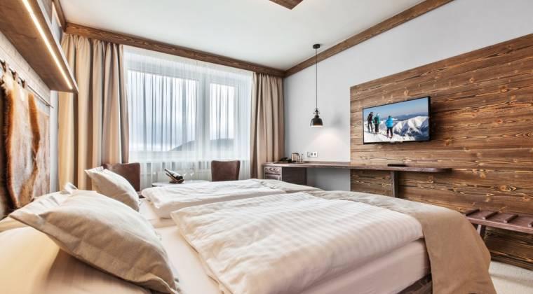 Dvojlôžková izba Panorama Classic s moderným interiérom - Hotel PARTIZÁN