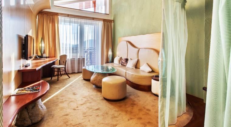 Tematická izba Honeymoon suite s neopakovateľným dizajnom - Hotel PARTIZÁN